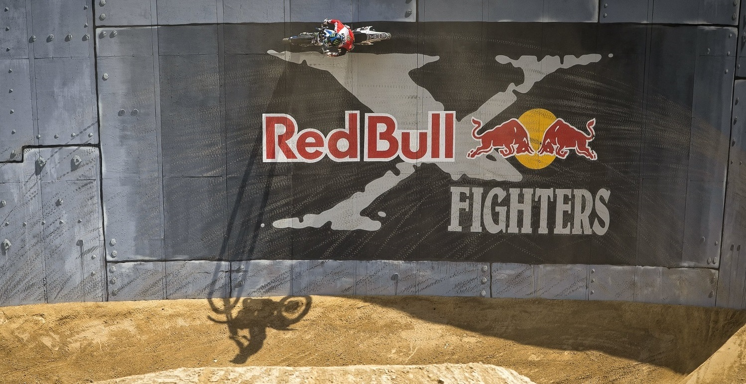 Rob Adelberg takes the win in the wind at Red Bull X Fighters Glen Helen, California