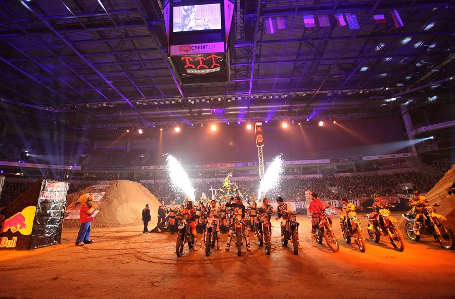 The best FMX rider line-up ever in a Czech arena prepares for NIGHT of the JUMPs – Liberec